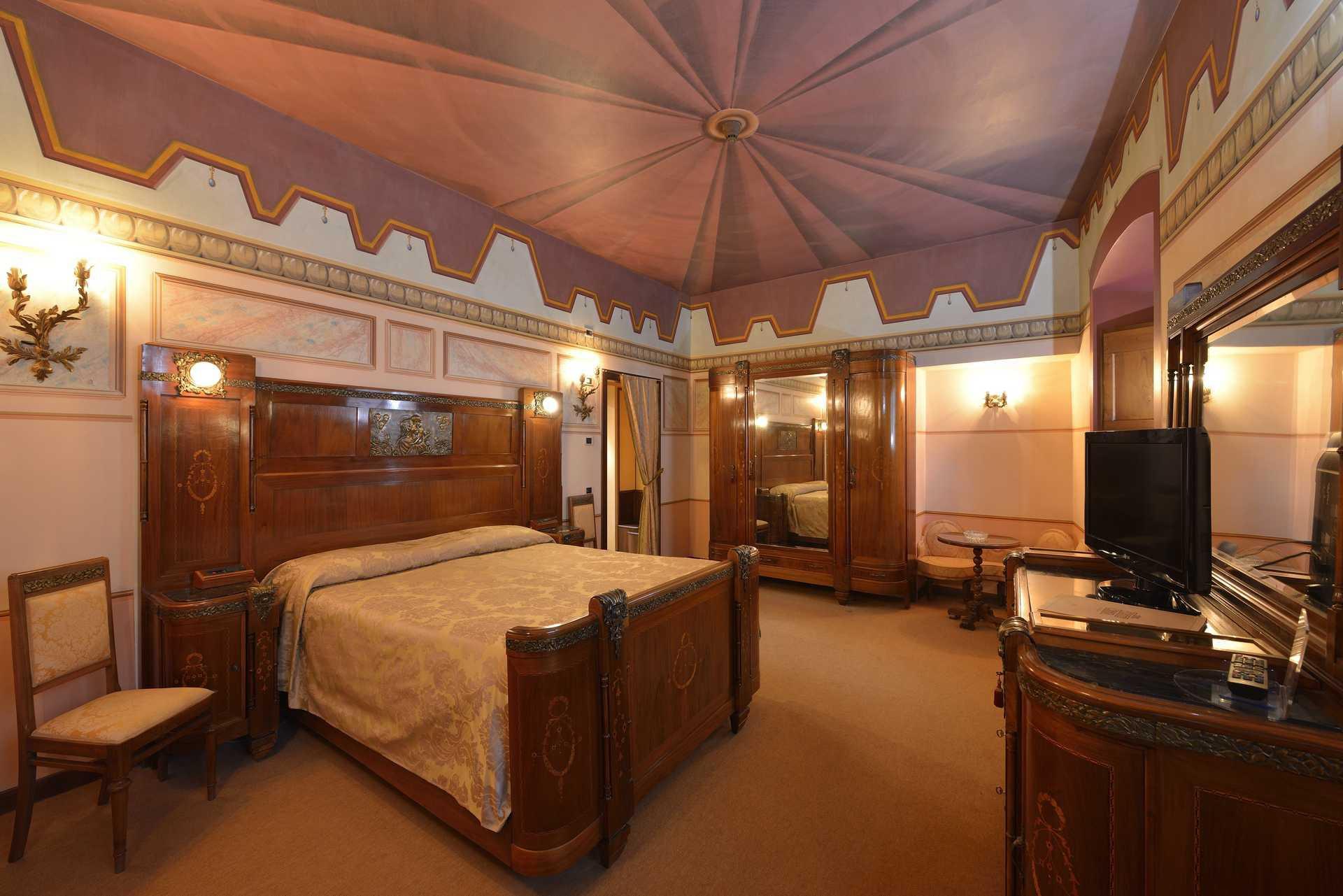 Junior Suite Novecento con Jacuzzi - Hotel Fonte Cesia Todi