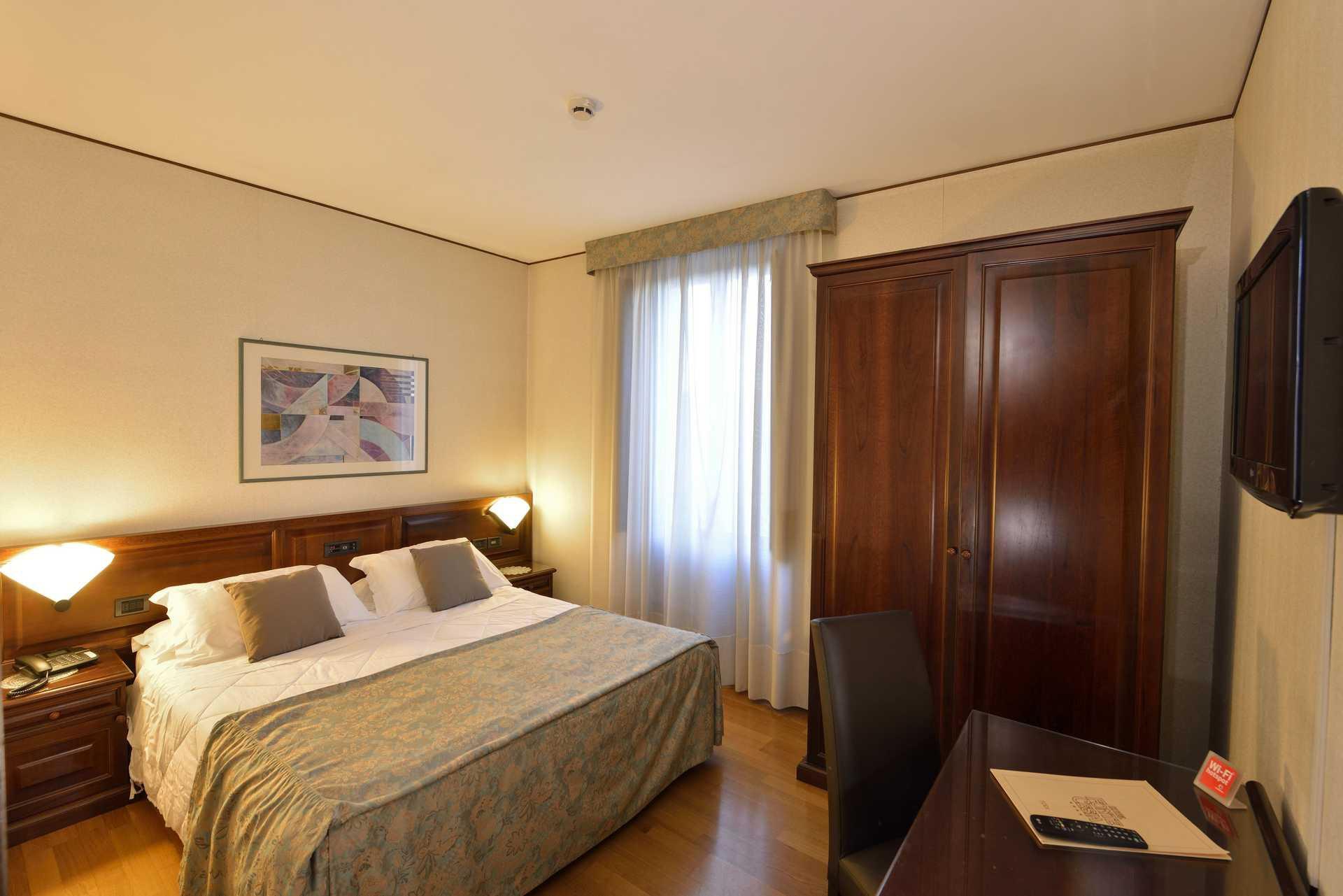 Camera classica - Classic room-Hotel Fonte Cesia Todi