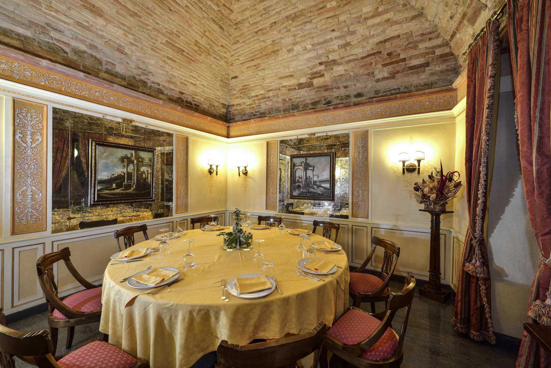 Hotel Fonte Cesia - dining- Ristorante Le Palme Sala Jacopo