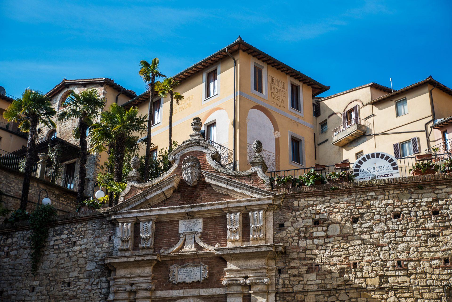 Hotel nel centro storico di todi hotel fonte cesia umbria for Design hotel umbrien