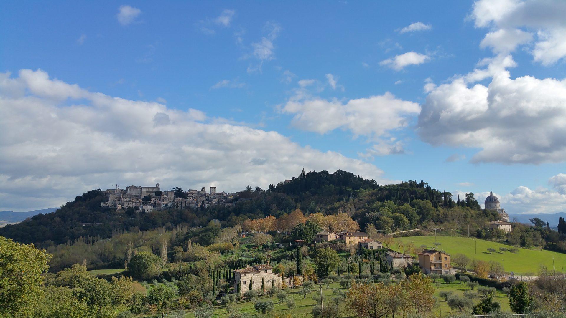 Cosa visitare vicino a Todi