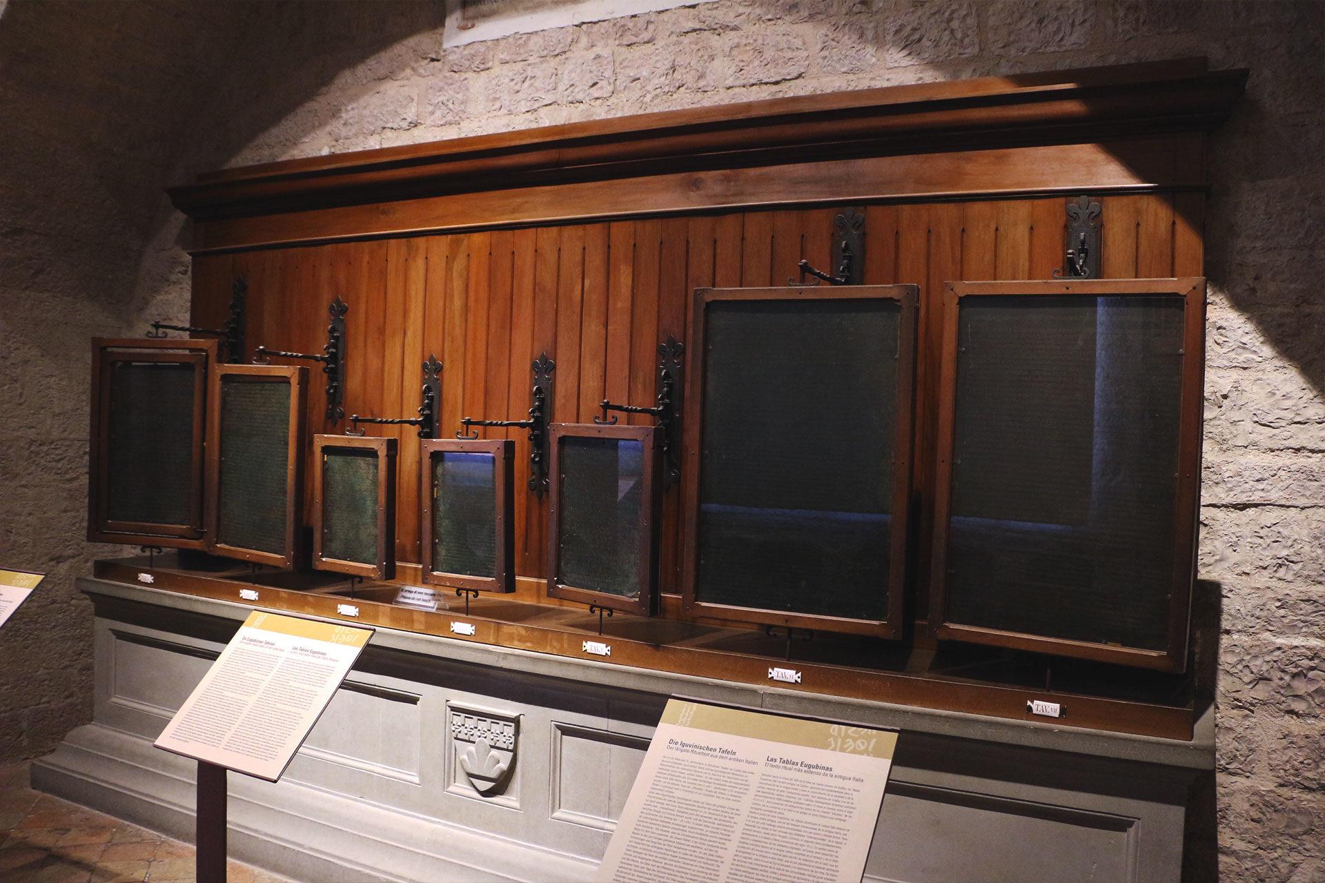tavole-eugubine - Gubbio - Ancient Umbrians Eugubian Tablets - Eugubian Tablets