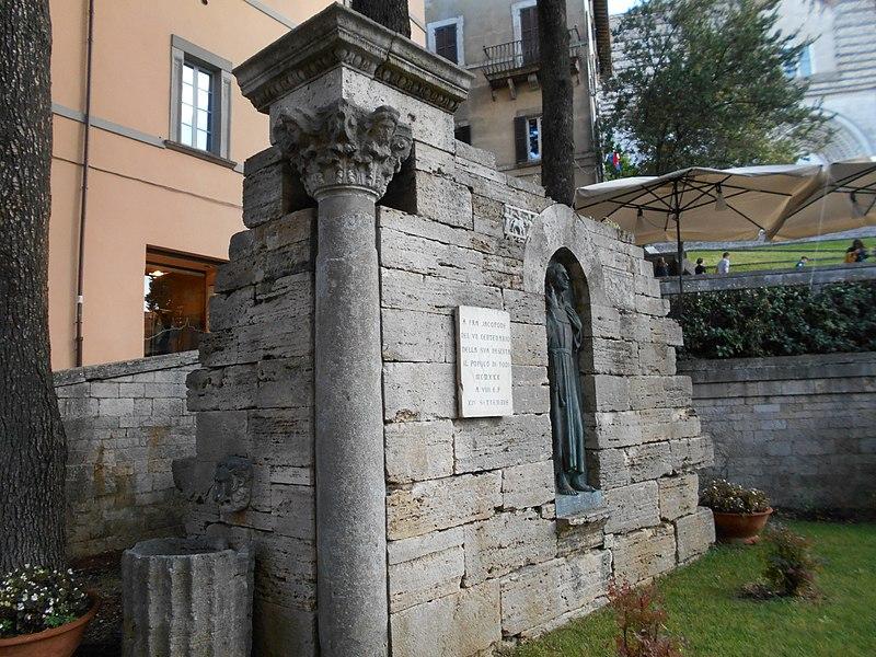 Iubel Festival - Hotel Fonte Cesia - monumento Jacopone