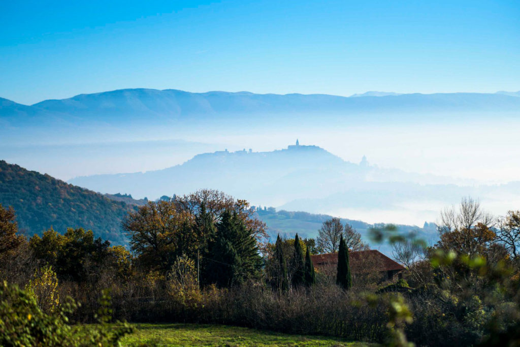 Walking tour in Umbria